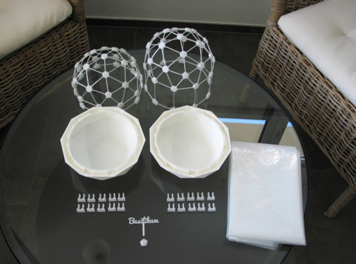 MGD-10 (30x): A Set with 30 A-Connectors 3d printed Flexible Mini Greenhouse-Dome with Pot (Sets short and long). Own 3D-prints with white/transparent PLA.