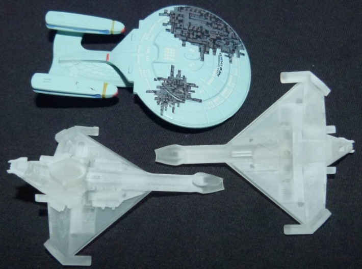 Promellian Battlecruiser 1/10000 Attack Wing 3d printed Old version, printed in SFDP, together with a Tactics Galaxy class.
