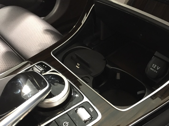 Car phone cup holder mount for Mercedes  E/C, T  3d printed Mercedes iPhone holder