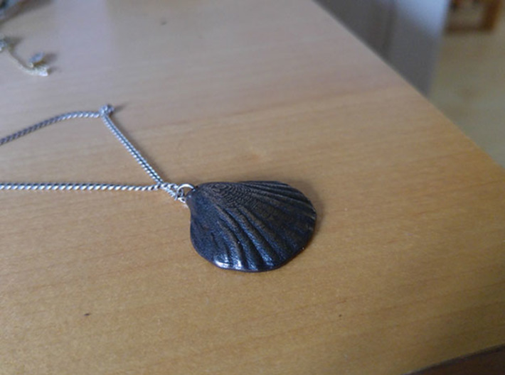 Clam necklace 3d printed