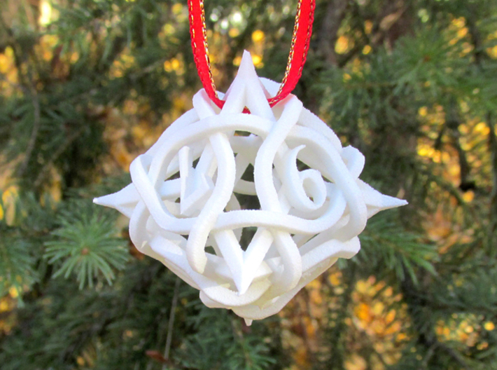 Thorn Die8 Ornament 3d printed In White Strong & Flexible