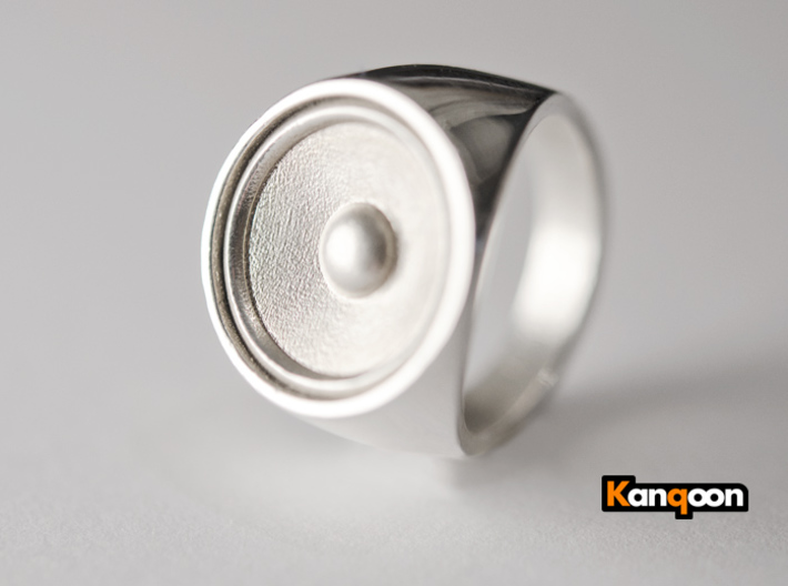 Screaming Sister - Signet Ring 3d printed Polished Silver printed in US 9 / for sale is US 2.25