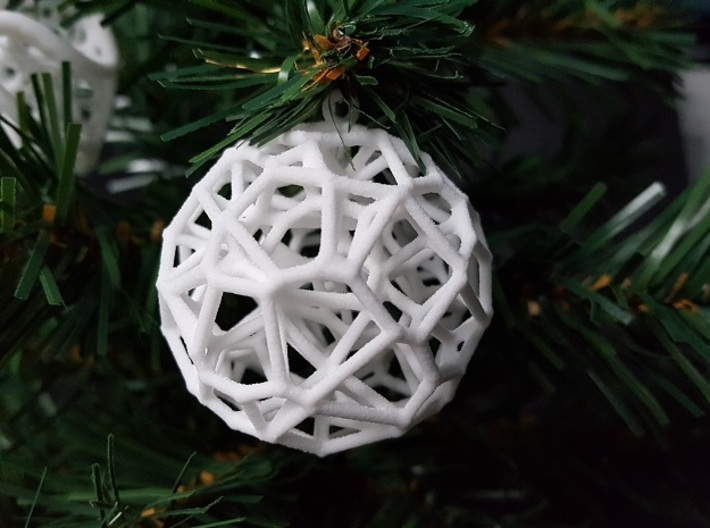 Voronoi Christmas Bauble  3d printed