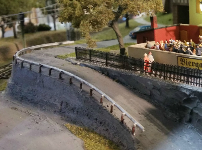 N Scale Guard Rail 3x200mm 3d printed A sharp curve near a Biergarten? Better place a guard rail... Thanks for the picture Gordon!