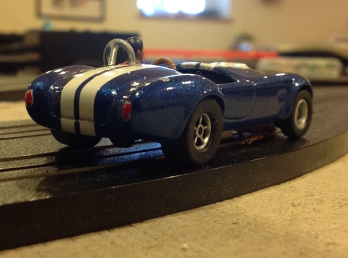 427 Cobra Body: Fits AFX MegaG 1.7 3d printed Picture of the Cobra body on the SL-1 Chassis
