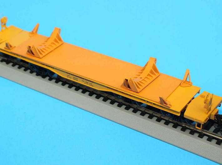 HO 1/87 NASA shuttle SRB clamshell brackets 3d printed A view of the model with closure brackets fitted to a Walthers flatcar.