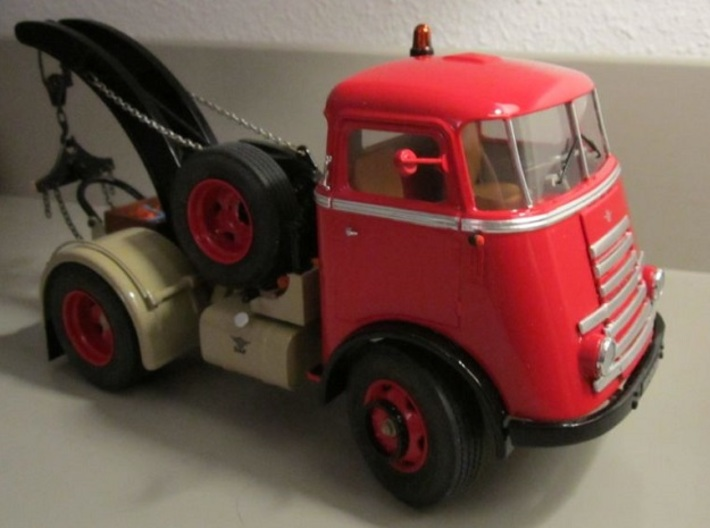 Cab-7S-1to24 3d printed DAF Truck close to the real thing.Thanks to E. Fontein (NL)