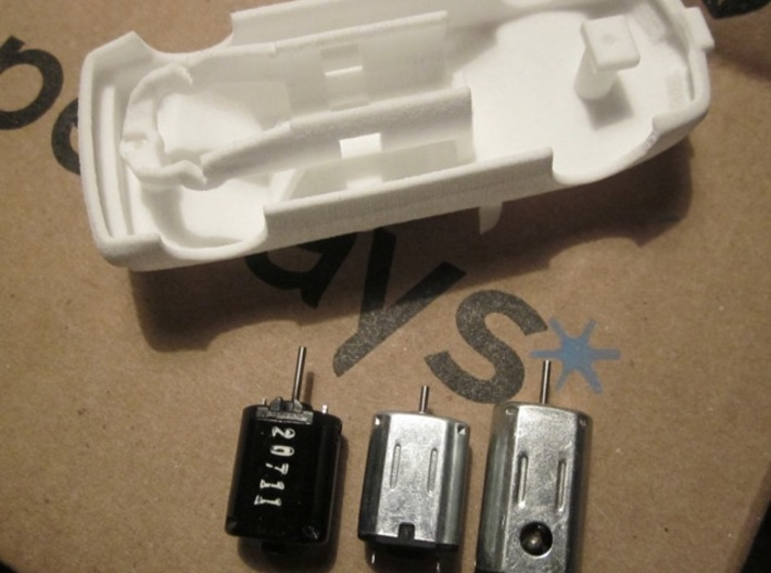HO Slot Car 1992 Saturn SL2 - unibody chassis 3d printed Same chassis holds a wide range of n20 & N30 motor variants