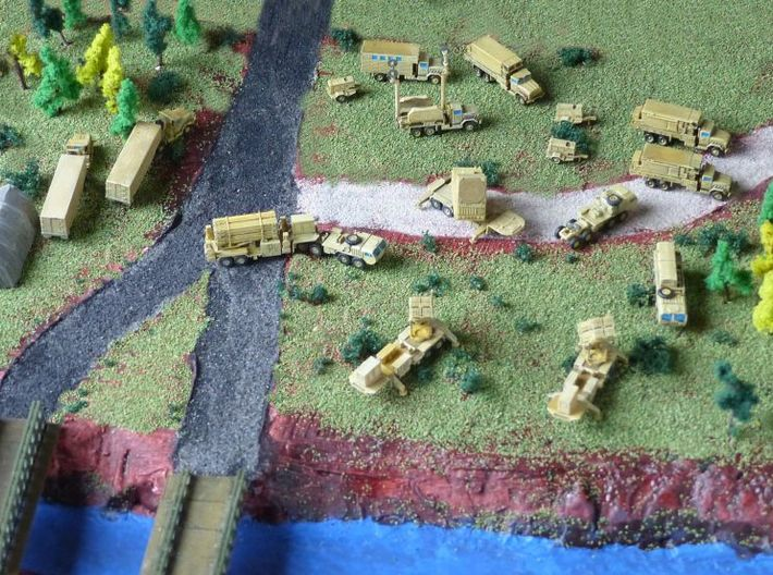 US M932 Semi-Truck w. M1032 / M 373 Trailer 1/285 3d printed Patriot Missile Battery by MoM