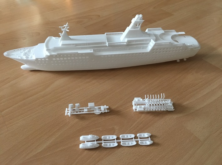 Arkona, Decks & Details (1:400, RC) 3d printed details partly added to the hull (hull sold separately)