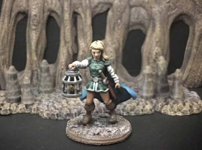 Wenda, Novice Adventurer (28mm/Heroic scale) 3d printed