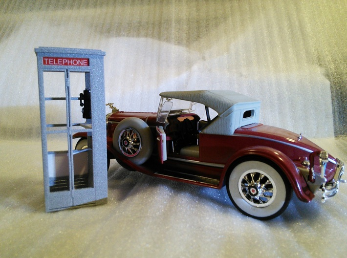 Telephone Booth, 1/32 Scale 3d printed Looks good beside 1930 Packard too!