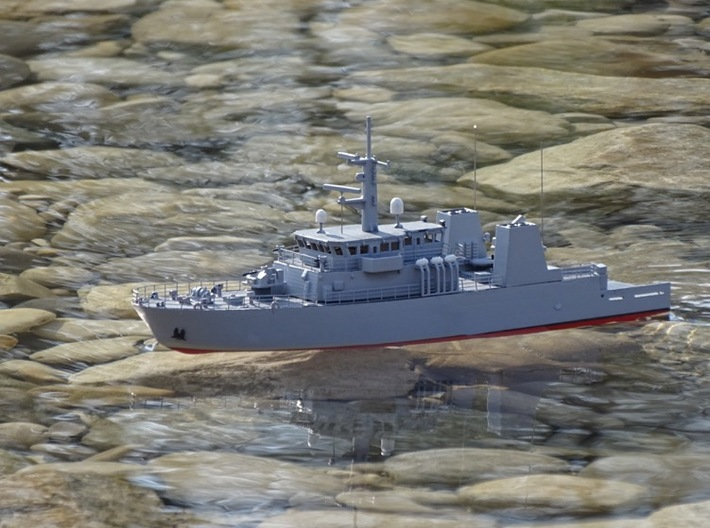 HMCS Kingston, Details 2 of 2 (1:200, RC) 3d printed model on the water