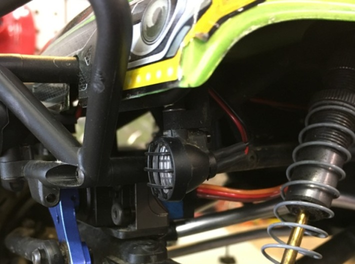 Axial Wraith Spawn Bucket Light Mount Extensions 3d printed Position of light with extension.