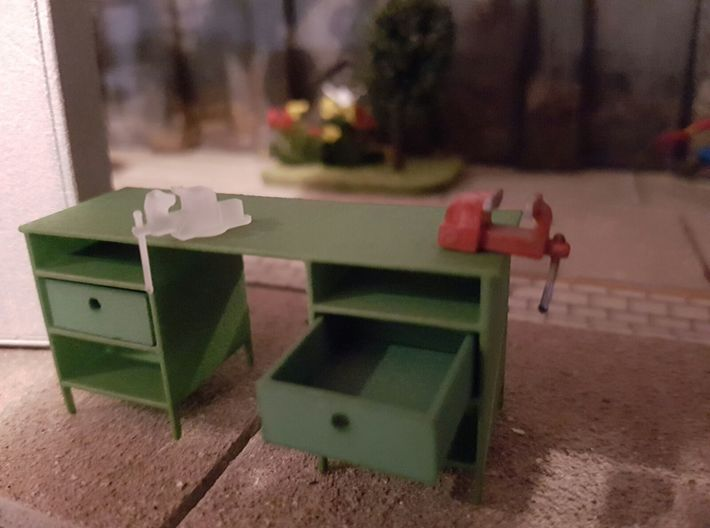 Workbench 1/32 3d printed