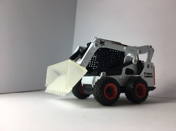 "1:50 80"" Tooth bucket for Bobcat S750 3d printed Our bucket on a S750."
