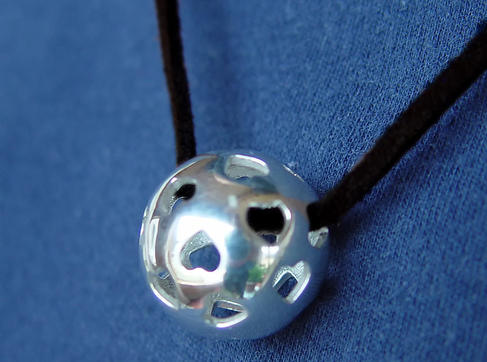 Hearts Orb Pendant 3d printed