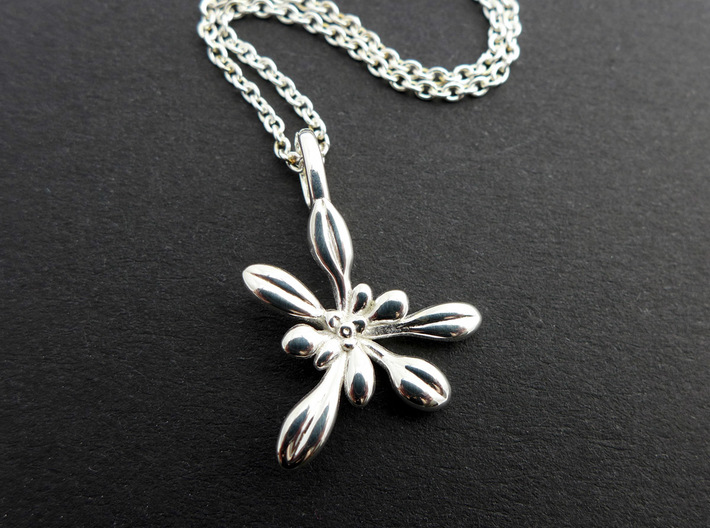 Small Arabidopsis Rosette Pendant 3d printed Small Arabidopsis Pendant in polished silver