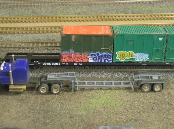 HO 1/87 MSW Trash Container for Atlas Flatcar 3d printed Note the difference between mine & the Atlas containers.