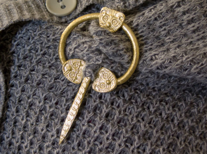 Viking Ring Needle 1 L 3d printed Fasten knit clothing - here with imitation gold leaf added.