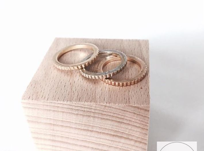Ingranaggi Ring - XS, S, M, L, XL 3d printed Only for Photo purposes 3 rings are shown Gold Yellow, Rose & Rhodium Plated