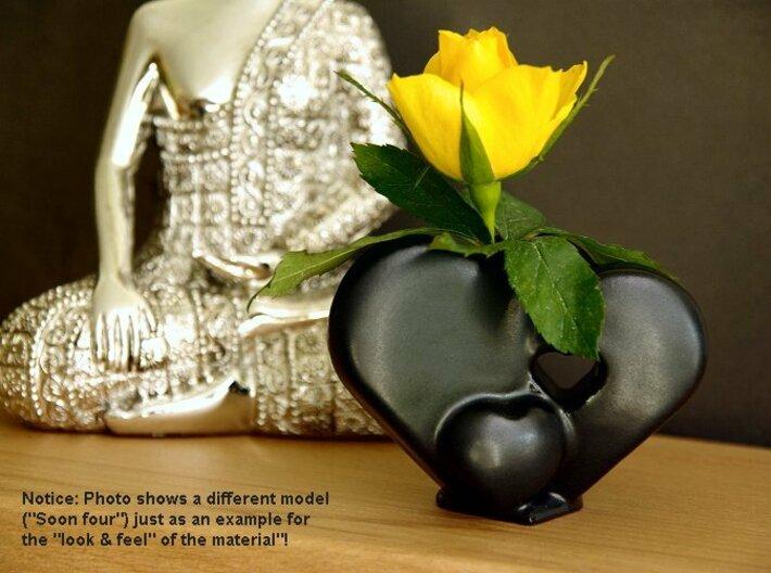 Heart Family - Family love! (medium size) 3d printed Heart Family Vase