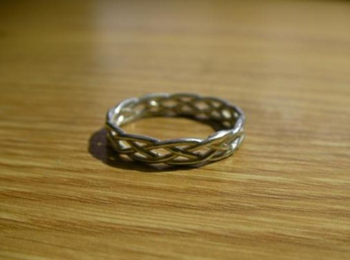 Celtic Knot Ring 3d printed Silver Glossy