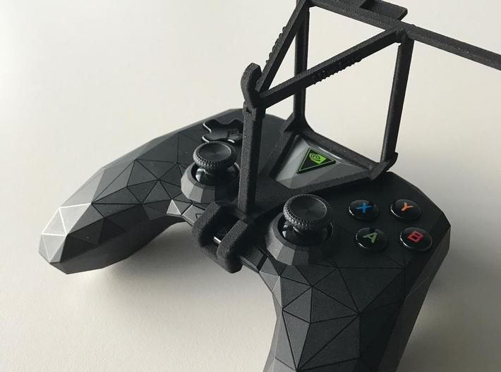 NVIDIA SHIELD 2017 controller & Wiko Robby - Over  3d printed SHIELD 2017 - Over the top - barebones