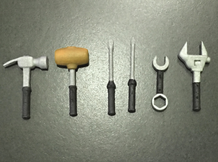 Tools for 7 inch figures 3d printed painted