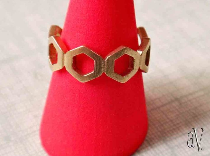 Bee Square Single Ring 3d printed