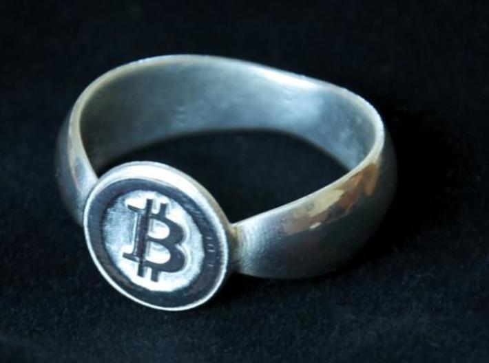 Bitcoin Ring 2nd Edition 3d printed Silver Polished close-up