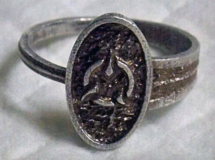 Archway Ring 3d printed An example of a silver ring with patina added..