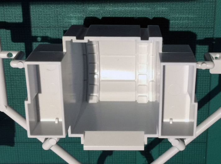 Perfect Grade Falcon, 1:72 Ramp Hall 2: Low Ledge 3d printed Bandai modelled the corridor as a cylinder