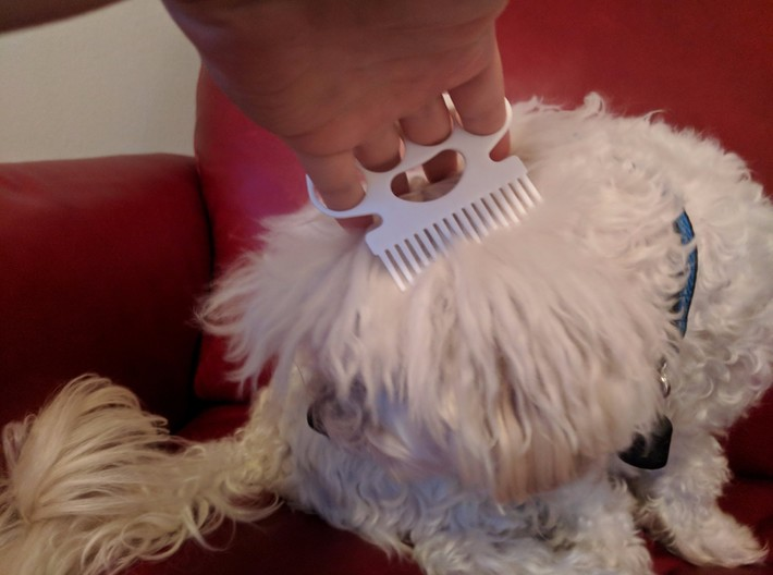 Brass Knuckle Comb/Beard Comb (inward teeth) 3d printed Works on (willing) pets too!