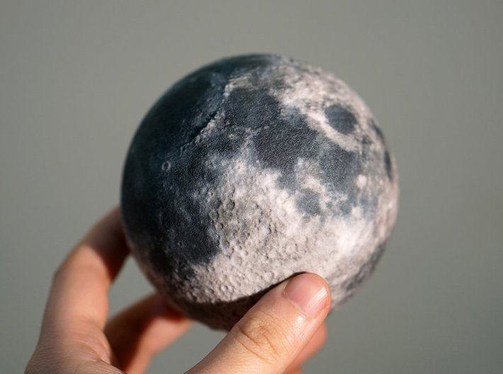 The Moon 3d printed (Picture of the 90mm model)