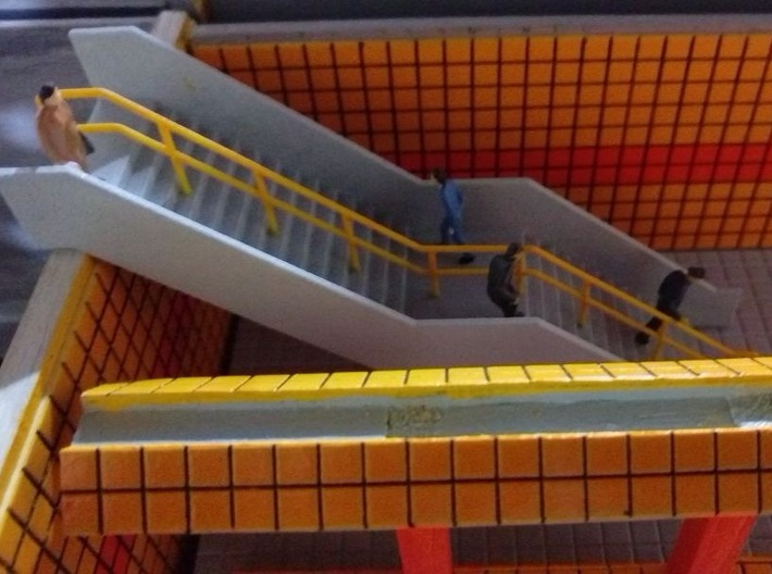 HO Stairs H61mm 3d printed Painted model installed on a Berlin U-Bahn station. Thanks for the picture Aziz!