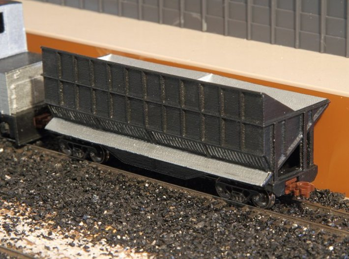 N-scale Quench Car 3d printed Painted but not yet weathered. Couplers and trucks (and track, coker and coke plant) not included. Yes, black couplers would look much better but I've run out of them...