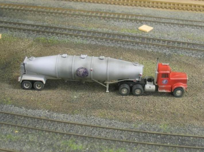 HO 1/87 Trailer 16a Fruehauf 1960's extra hatches 3d printed One of the two HO versions of Fruehauf trailer I've created.