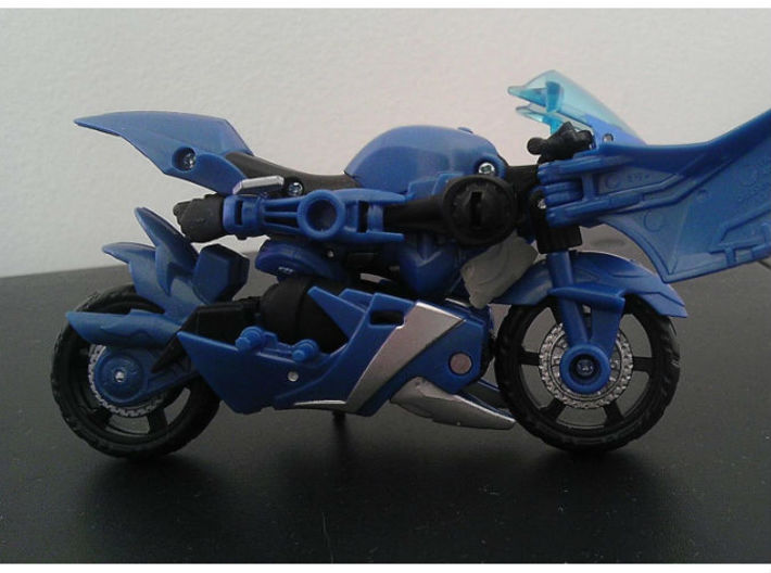 CHROMIA homage Tempest Head for RID RC 3d printed Tempest Head placement in Deluxe TF Prime Arcee alt mode