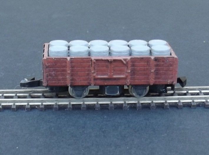 Wagon Plat/Tombereau Load Barrels - Nm - 1:160 3d printed Load of Barrels - in a tombereau but also fits in the plat.