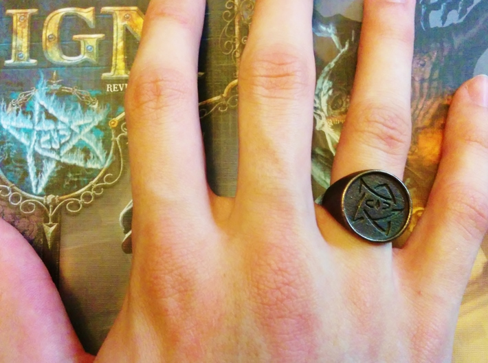 Elder Sign Signet Ring Size 8.5 3d printed The signet ring on.