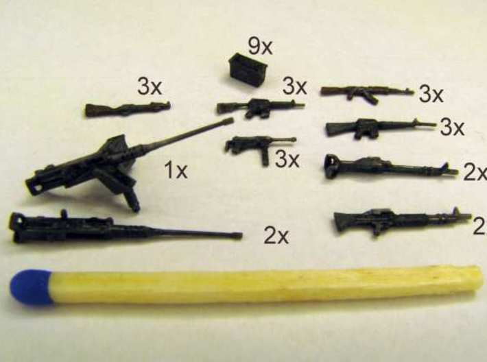 1:72 Weapons Collection (32 pcs.) 3d printed Each of the weapons cut out and painted