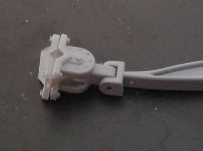 Banana Bar 1:35 US WW2 stiff truck towbar 3d printed axle clamp in place