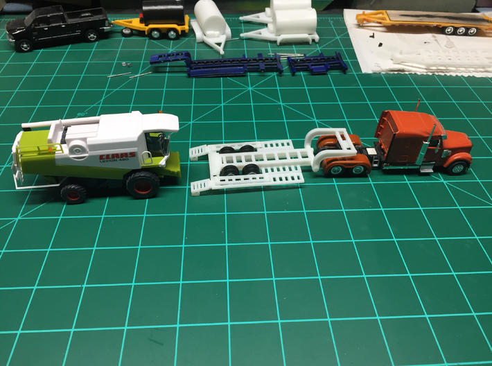 HO Scale Combine Trailer 3d printed