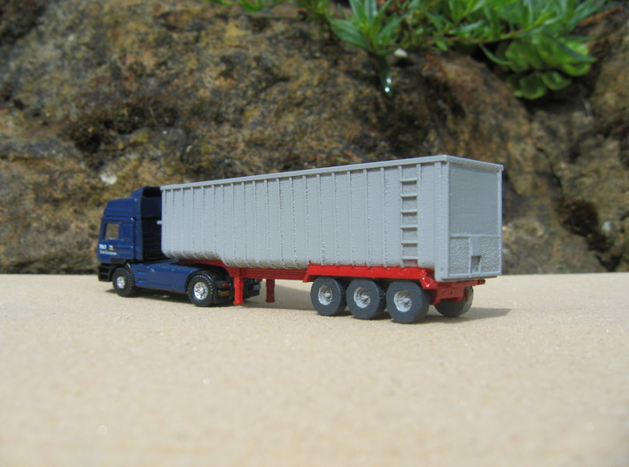 N scale 1/148 Fruehauf Bulk Grain Trailer 40' 3d printed Fitted to an Oxford (?) cab unit.