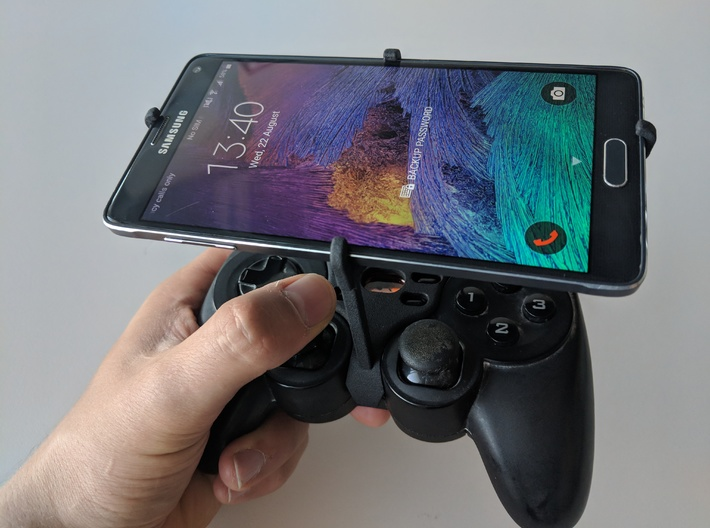 Logitech F710 & Samsung Galaxy A70 - Over the top 3d printed Over the top - Front view