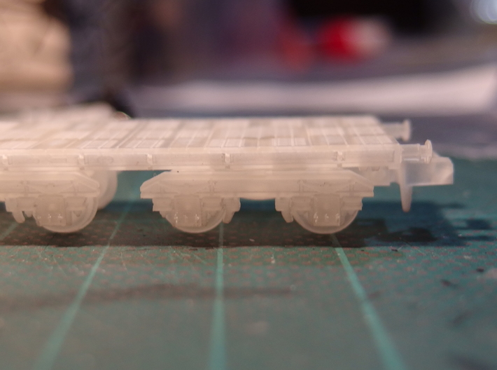 "N-gauge 5.5 mm (scale 2'9"") diameter 3-hole disc w 3d printed Side view in the 40t armour plate truck"