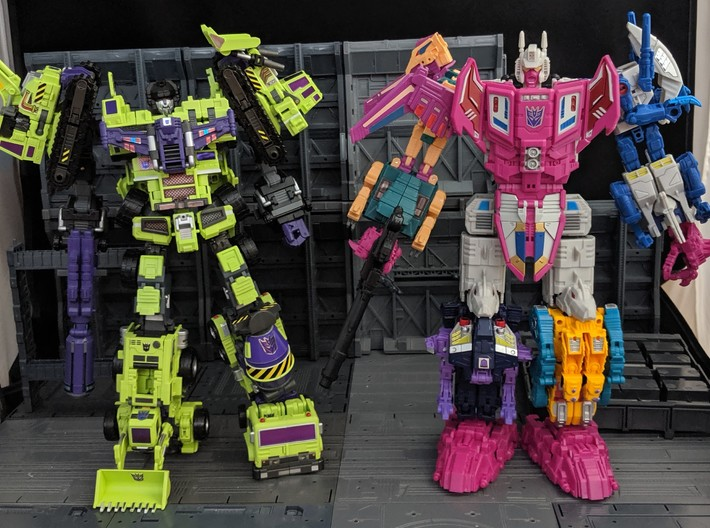 Maketoys Giant leg extension set 3d printed Giant standing next to PotP Abominus for comparison