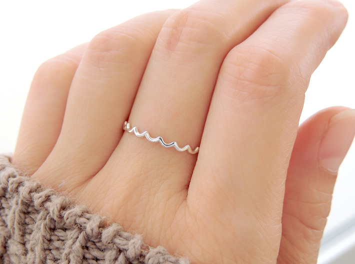 Dainty Water Ripple Ring (Multiple Sizes) 3d printed Water Ripple Ring in Polished Silver