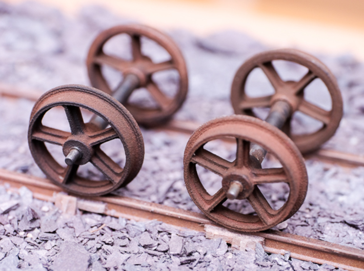 RSQW1 Rhosydd Slate Quarry 5 Spoke Wheels (SM32) 3d printed Painted and fitted to Slater's Axles. No Machining or clan up has been done to the wheels, just a coat of paint.